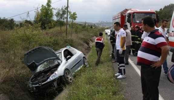 Kurban kesmeye giden aile kaza yaptı: 4 yaralı