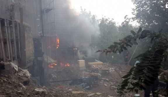 İmam hatip ortaokulu inşaatında yangın