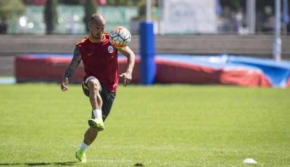 Wesley Sneijder dalya diyecek