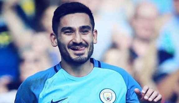 Premier Lig'deki ilk golünü attı
