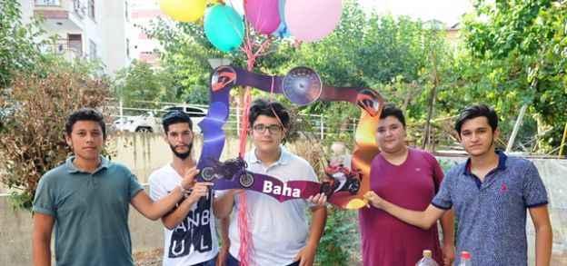 Baha'ya renkli kutlama