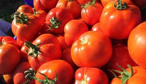 Bayram fırsatçıları sebze fiyatlarını uçurdu