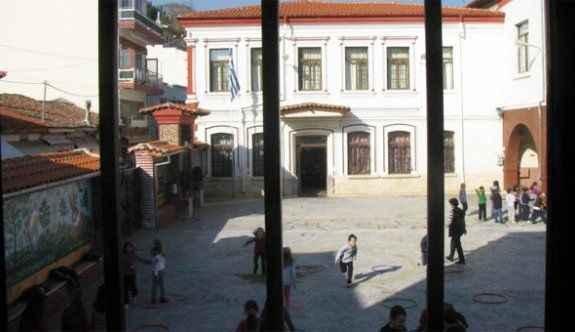Flaş! Yunanistan Türk okullarını kapattı