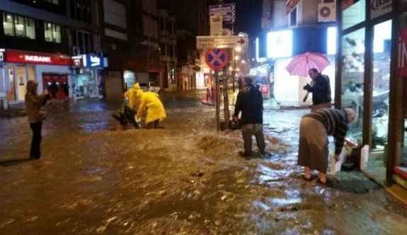 Şiddetli yağış zor anlar yaşattı