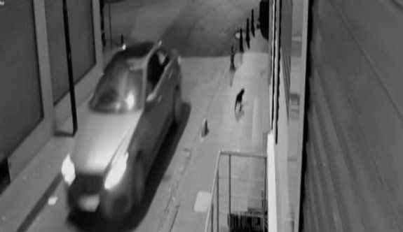 12 iş yerinden yaptıkları kasa hırsızlığı kamerada