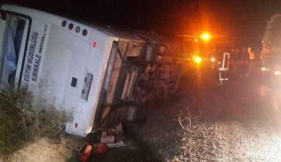 Midibüs devrildi: 2 ölü, 7 yaralı