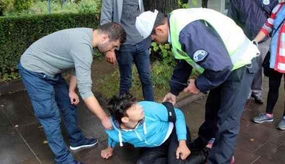 Sokakta baygın bulunan liseli hastaneye kaldırıldı