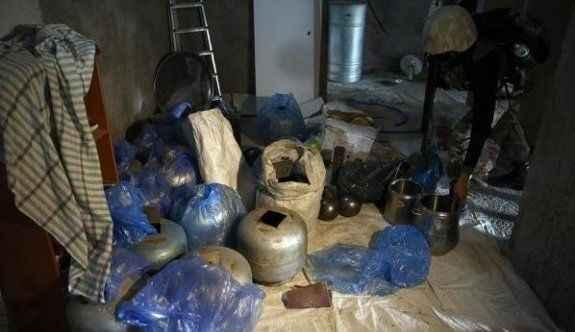 Depoda bomba hazırlarken yakalandılar