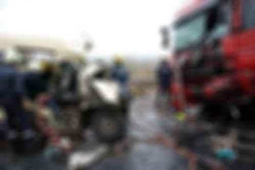 Minibüs TIR'la çarpıştı: Tam 31 kişi...