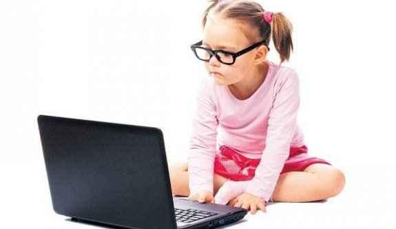 Çocuklarını erken 'kod'layan yol alır!