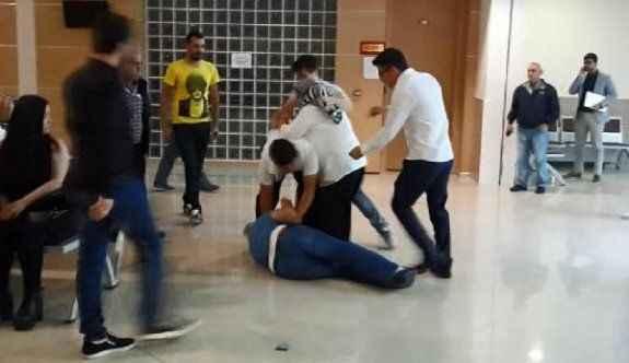 Adliye koridorunda kavga