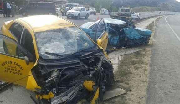 Korkunç kaza: Kafa kafaya girdiler