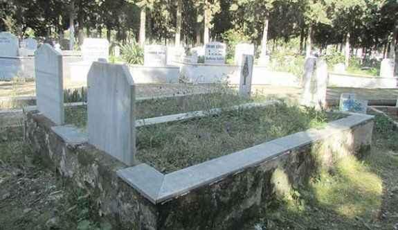 Mezarlıkta yanlış kıble tartışması, ilçe karıştı