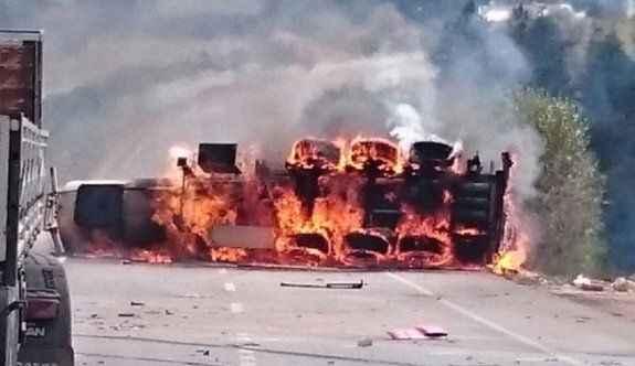 Alkol yüklü tanker kaza sonrası alev alev yandı