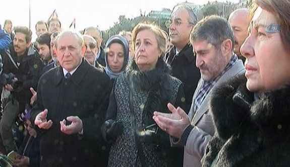 AK Partili vekiller dua etti