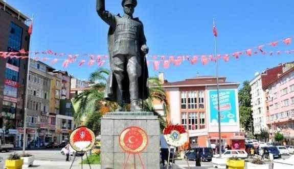 Atatürk heykeli provokasyonu tutmadı!