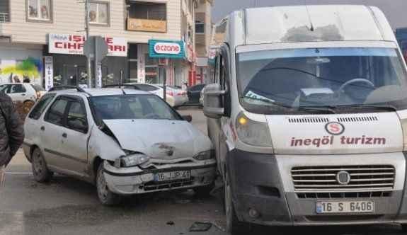 7 aracın karıştığı 4 ayrı kazada 3 kişi yaralandı