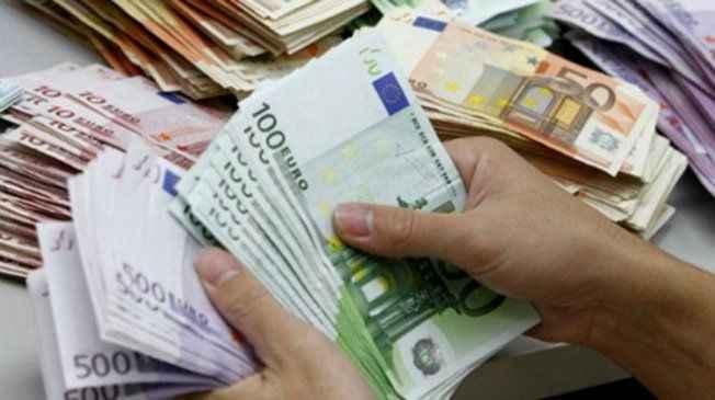 Sorunlu kredi satışlarında rekor bekliyor