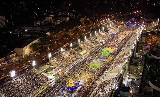 Rio Karnavalı'nda facia! 35 kişi yaralandı