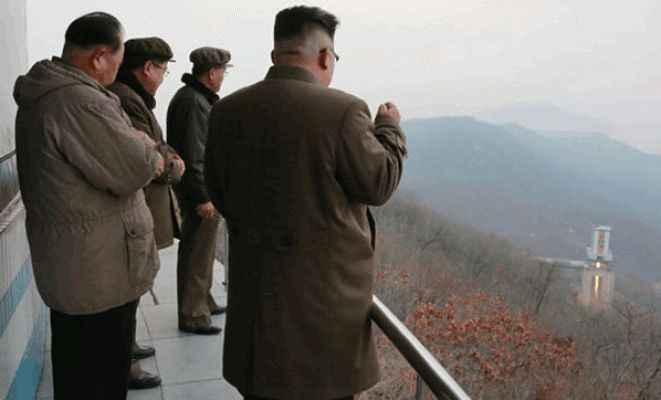 Kuzey Kore dünyayı tehdit ederek yeni füzesini fırlattı!