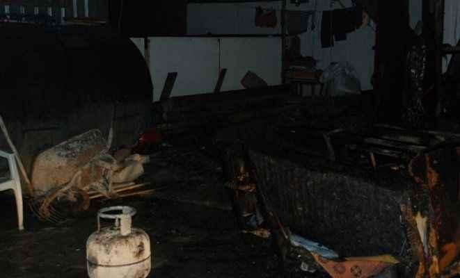 İşçilerin kaldığı barakada yangın çıktı!