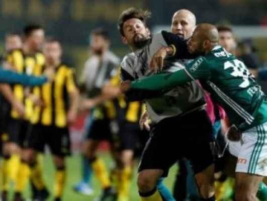 Eski Galatasaraylı Melo, rakibine yumruk attığı için 6 maç ceza aldı