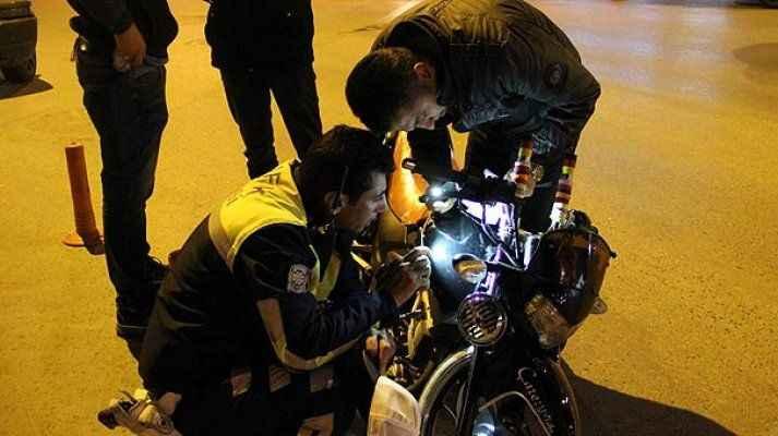 300 liralık motosiklete kesilen cezayı duyunca gözyaşlarına boğuldu!