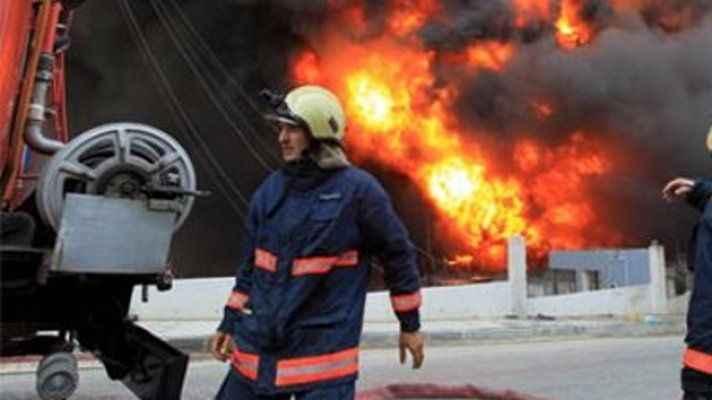 Yapımı süren gemide yangını çıktı