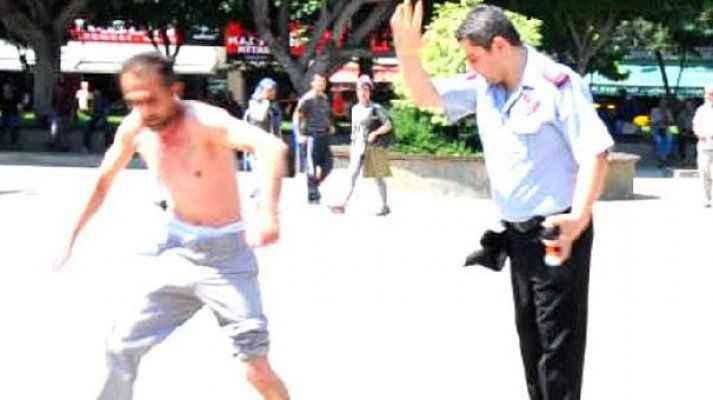 Engelli eylemciye sert müdahaleye vatandaş tepkisi
