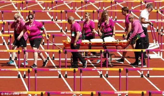 Yarışta engele takılan kadın atlet, kötü sakatlandı