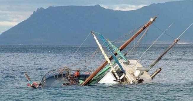 Tekne battı: Çok sayıda ölü var