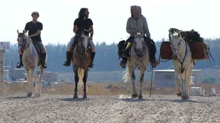 9 aydır at sırtında oraya gidiyorlar...