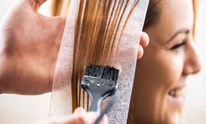 Saçını boyatanlara kötü haber! Kanser...