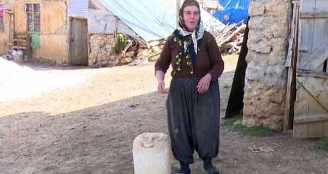 7 yıl sonra köye su geldi, İnsaf teyze dayaktan kurtuldu!