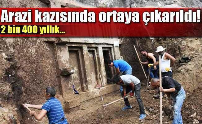Antalya'da tarla kazarken 2400 yıllık tarih çıktı