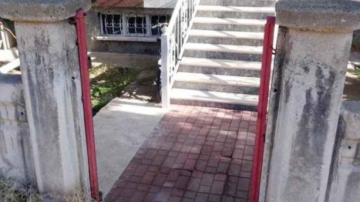 Kapı hırsızları mahallede kapı bırakmadı