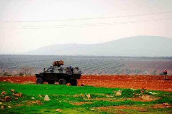 Terör örgütü YPG  roketle saldırdı
