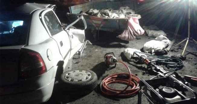 Pat pat'a çarpan otomobilde facia: 1 Ölü, 3 Yaralı