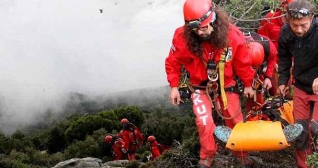 Paraşüt 100 metreden yere çakıldı, tatil beldesi seferber oldu!