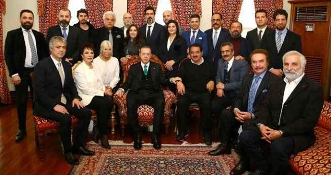 Erdoğan, kendisini ziyarete gelen ünlülerden ikisini uyardı