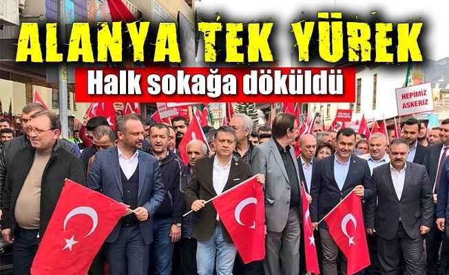 Alanya'da teröre lanet ve Mehmetçik'e destek yürüyüşü