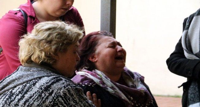 Ormanda cesedi bulunan genç kadının cenazesini almaya gelen yakınları sinir krizi geçirdi