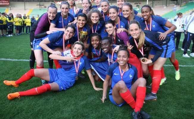 Şampiyon Fransa oldu