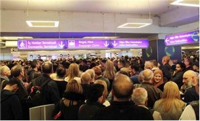 Atatürk Havalimanı'nda 'POLNET arızası' kuyruğu