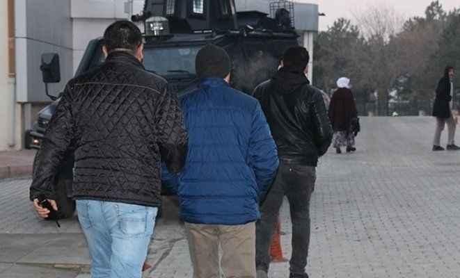 Sanal kumarhaneye polis baskını