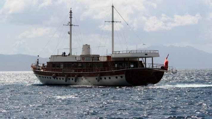 Yunanistan'ın rehin aldığı milyon dolarlık Türk teknesi Bodrum'a geldi!