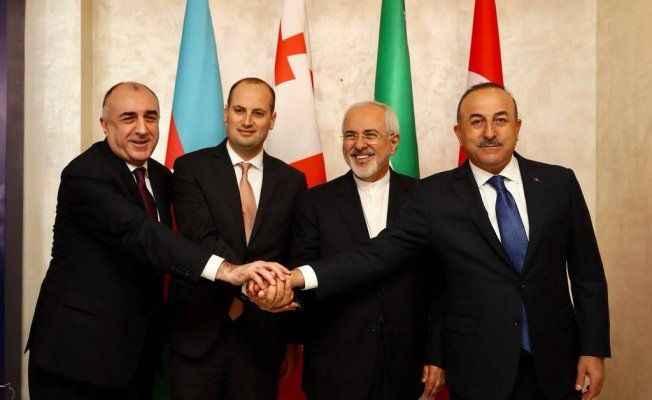 Bakan Çavuşoğlu Azerbaycan'daydı
