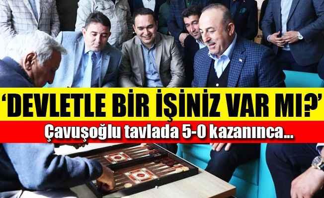 Bakan Çavuşoğlu'nun Alanya Huzurevi'nde tavla keyfi