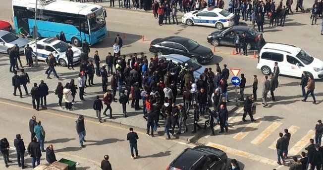 Omuz atma meselesi şehri karıştırdı, onlarca kişi birbirine girdi