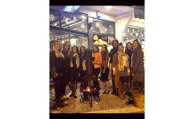Mezza'da kadın buluşması
